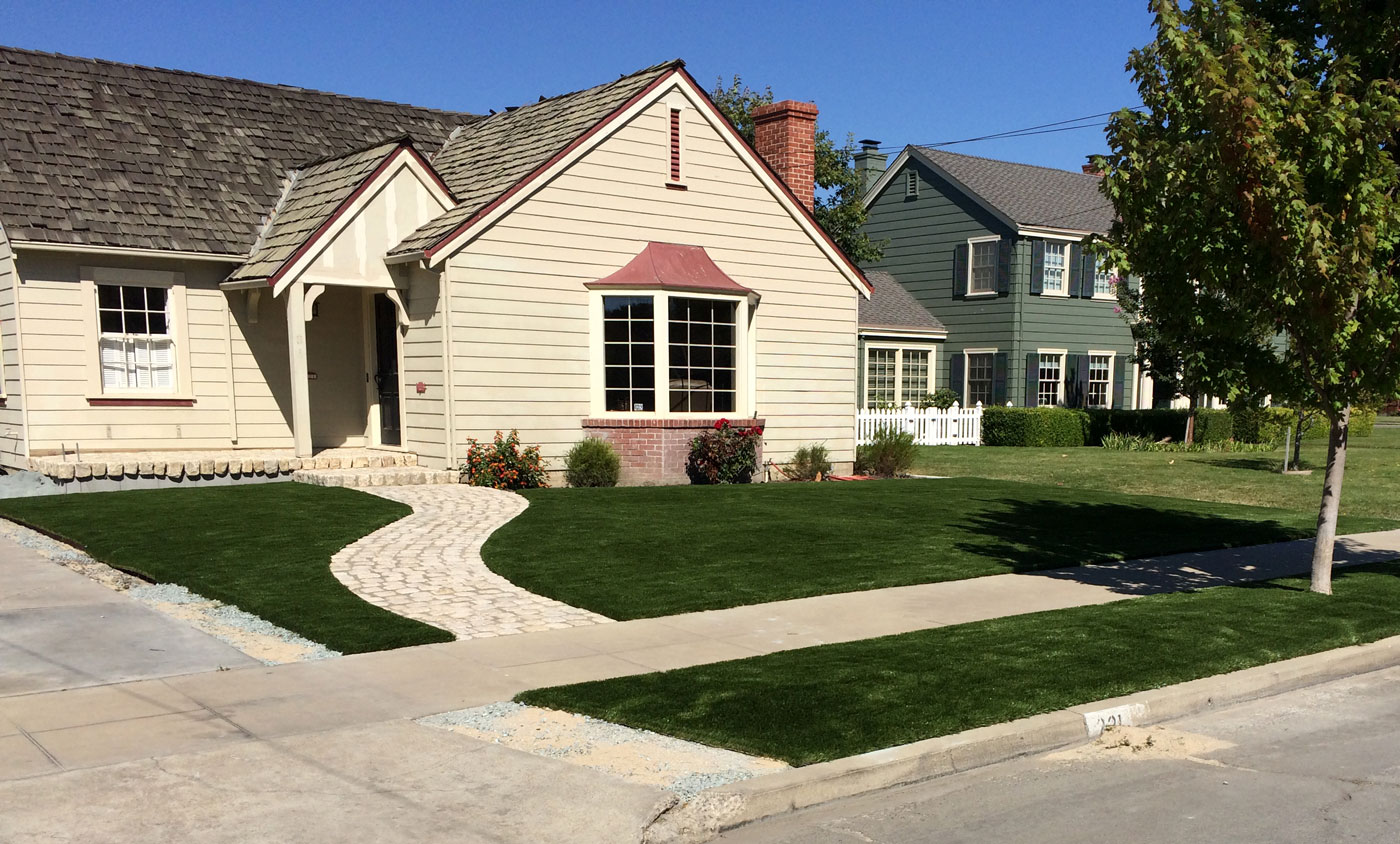 Synthetic Turf Front Yard
